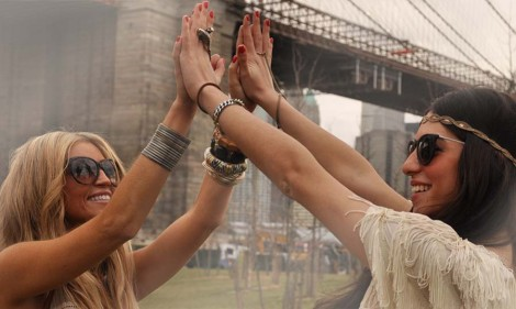 Under the Brooklyn Bridge Hippie Chic girls